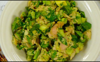 Nancy's Sockeye Salmon Avocado Salad