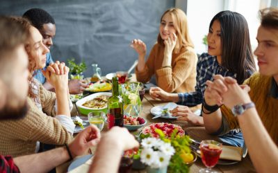 How to Have a Civil Discussion About Politics Around the Holiday Table
